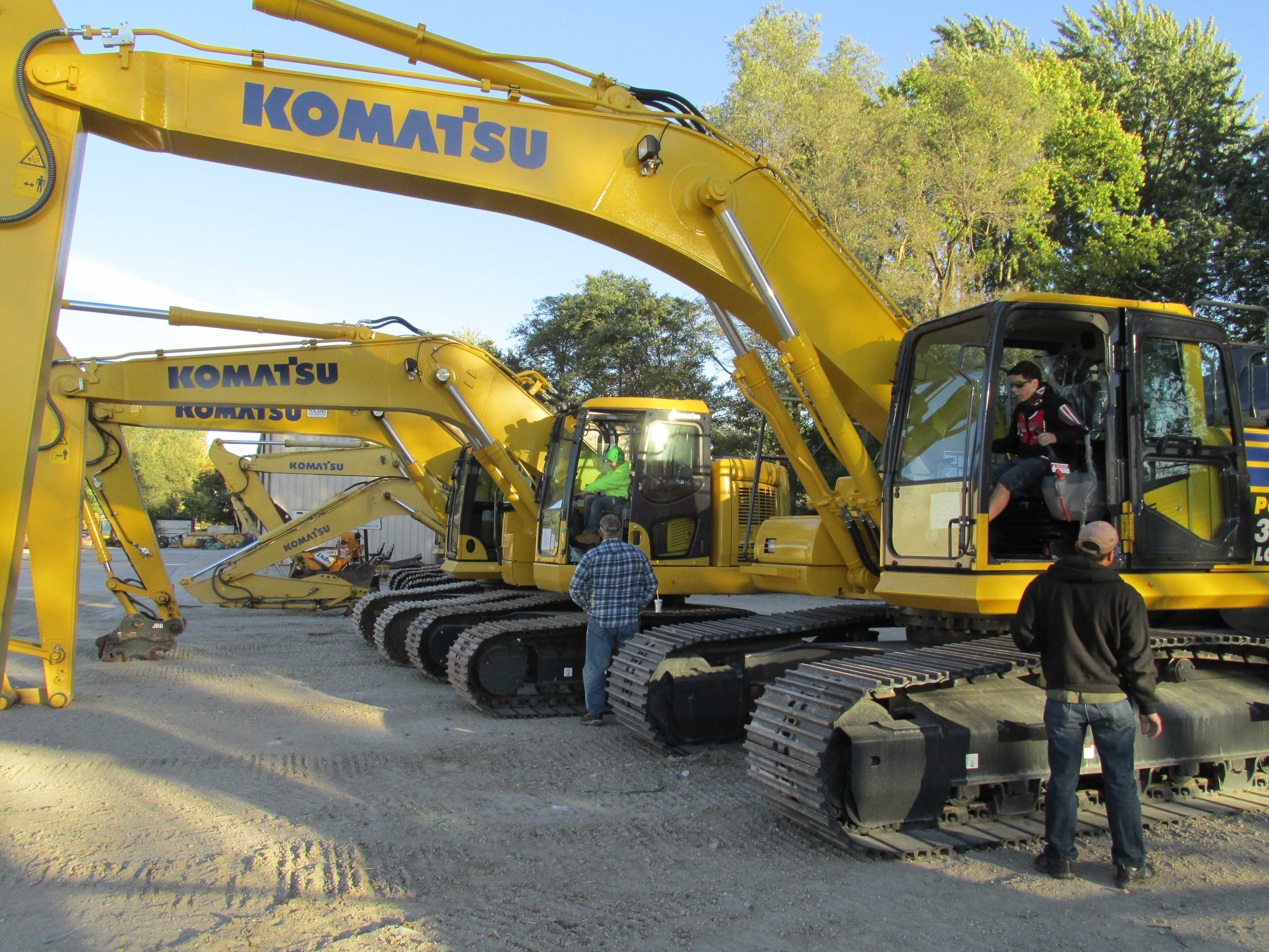 The next generation of customers get a feel for the Komatsu equipment availabe at Roland Machinery.-1