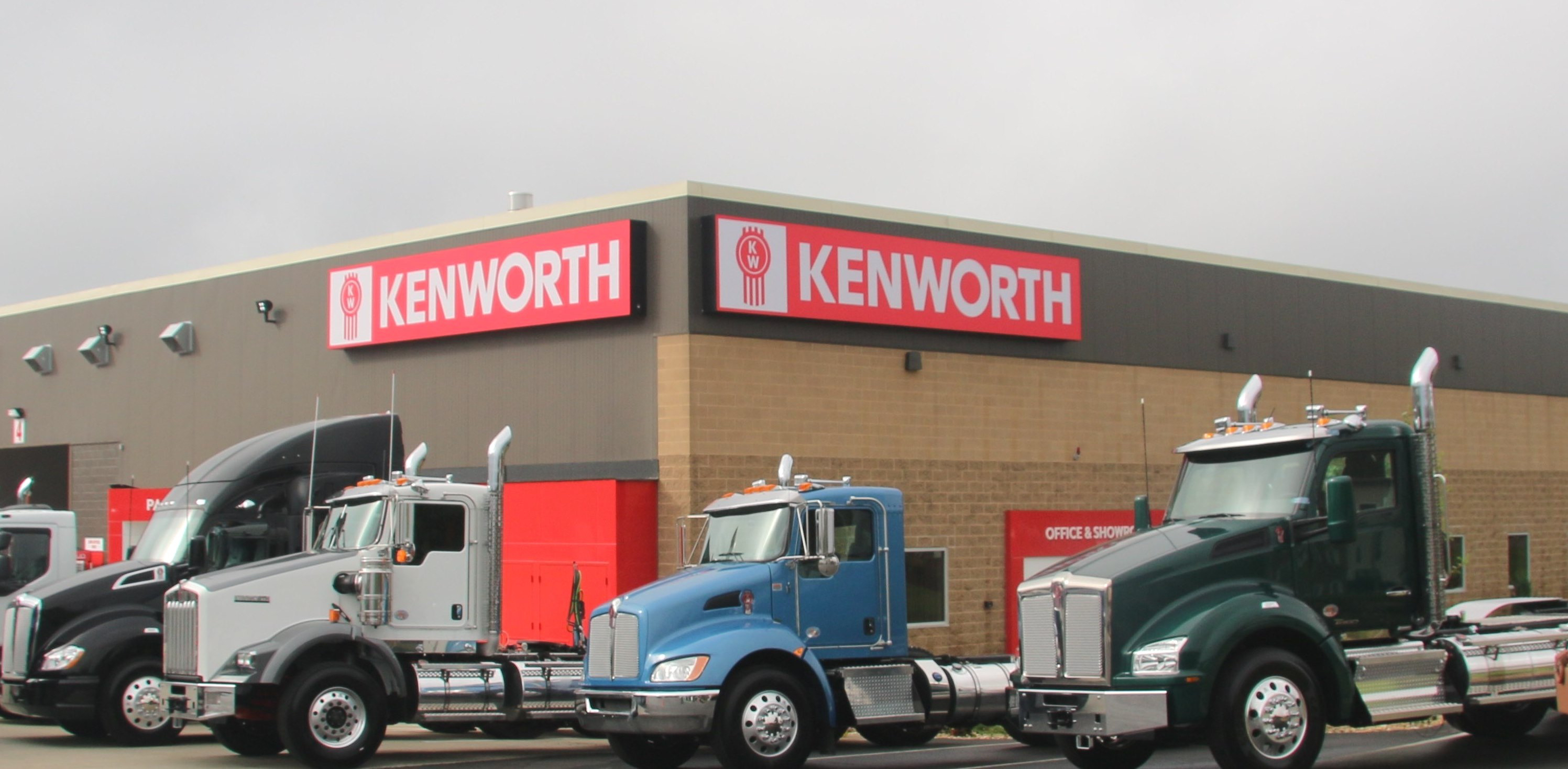 Kenworth Northeast Group Relocates South Boston Dealership to Full